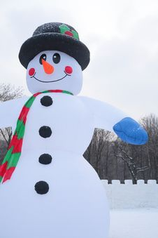 Free Inflatable Snowman In Park Stock Photos - 8632273