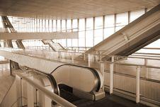 Free Escalators In Glass Hall Stock Photo - 8633130