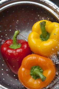 Free Yellow Red And Orange Bell Pepper Royalty Free Stock Images - 8633949