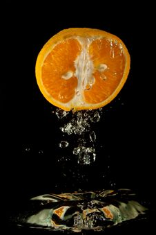 Free Orange In Water Stock Photo - 8637550