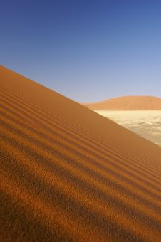 Free Dunes In The Desert With A Blue Sky Royalty Free Stock Image - 8638486