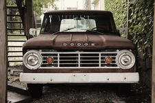 Free Pick-up Truck Royalty Free Stock Images - 86301079