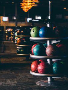 Free Bowling Balls Royalty Free Stock Photography - 86301557