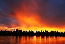 Free Amazing Sunset On The City Stock Photography - 86303012