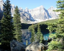 Free Moraine Lake, Alberta Royalty Free Stock Images - 86303849
