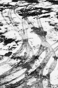 Free Traces In The Snow Stock Photos - 86304483