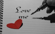 Free Love Me On Page Stock Photos - 86352733