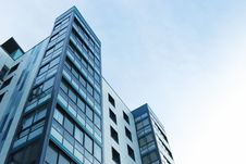 Free Low Angle View Of Office Building Against Sky Royalty Free Stock Images - 86353729