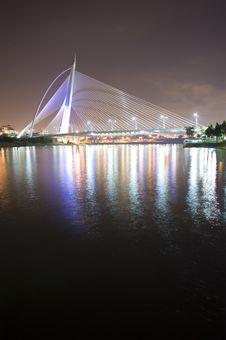 Free Millenium Bridge Putrajaya Royalty Free Stock Photos - 8641368