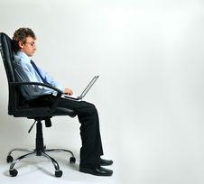Free Businessman Using Laptop Royalty Free Stock Photography - 8642257