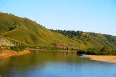 Free Hills And  River In Eastern Siberia Royalty Free Stock Image - 8643196