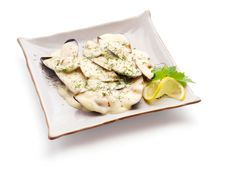Mussel In White Sauce With Lemon Slice And Parsley Royalty Free Stock Image