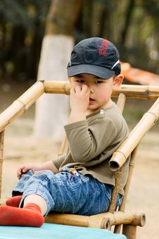 Free Boy Picking Nose Royalty Free Stock Photo - 8646145