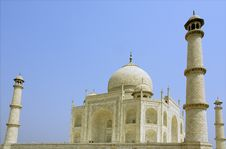 Free Side View Of The Taj Mahal Royalty Free Stock Photography - 8647327