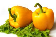 Free Yellow Sweet Pepper With Lettuce Royalty Free Stock Image - 8649106