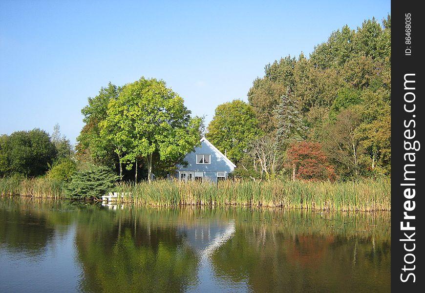 Blue_house_Netherlands