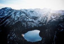 Free Mountain Lake Royalty Free Stock Images - 86471949