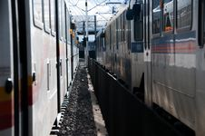 Free Train Compartments On Track Stock Photo - 86473950
