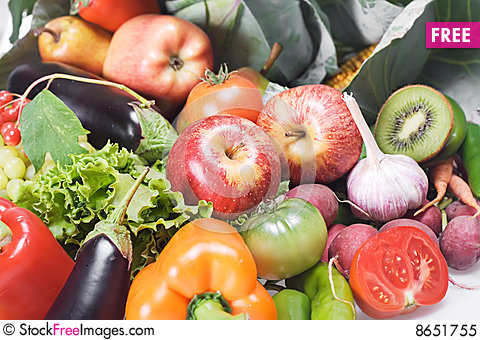 Free Vegetables & Fruits Isolated Royalty Free Stock Photo - 8651755