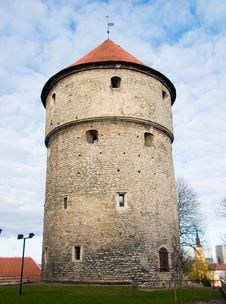 Free Medieval Tower In Tallinn, Estonia Royalty Free Stock Photography - 8651347