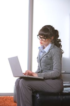 Free Business Woman Modern Office Stock Photos - 8652163