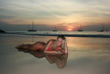 Free Sunset Woman Royalty Free Stock Photography - 8654427