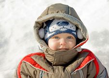 Free Boy Against Snow Royalty Free Stock Photography - 8658677