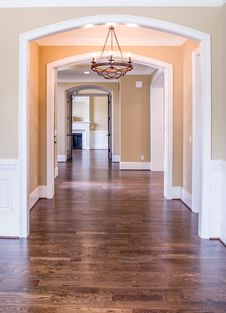 Free Empty Hallway Inside Home Stock Photo - 86574500