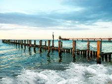 Free Wooden Pier In Waves Royalty Free Stock Photo - 86575685