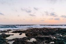 Free Blue Ocean Shore During Daytime Stock Image - 86577061