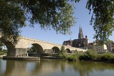 Free A Panorama To German Town Regensburg Royalty Free Stock Image - 8664926