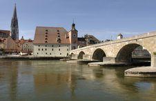 Free A Panorama To German Town Regensburg Stock Image - 8665491
