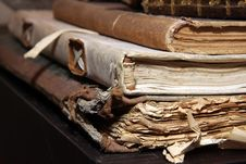 Free Stacked Old Books Royalty Free Stock Photography - 8667187