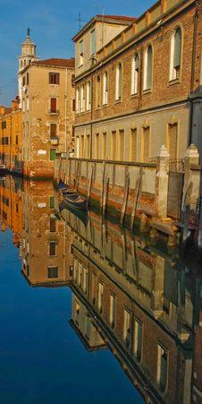 Free Venice Canal Royalty Free Stock Photo - 8667655