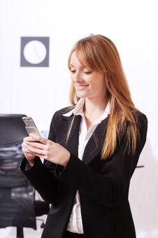 Free Businesswoman Uses Telephon Stock Photos - 8667673