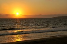 Free Pacific Coast Sunset In Mexico Royalty Free Stock Photo - 8669175