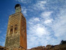 Free Antiguo Minarete Con Nido De Cigüeñas Stock Photos - 86687023