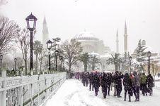 Free Hagia Sophia And It S Faithful Tourists Royalty Free Stock Images - 86689239