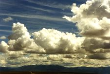 Free Impressive Clouds 2 Royalty Free Stock Photo - 86690875
