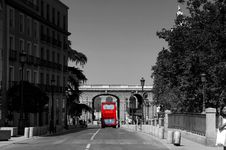 Free Red Bus Royalty Free Stock Photography - 86691277