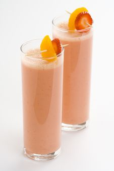 Free Delicious Strawberry Orange Banana Milkshake Royalty Free Stock Photos - 8671878
