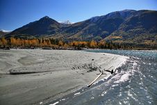 Free River With Mountains Stock Images - 8683904
