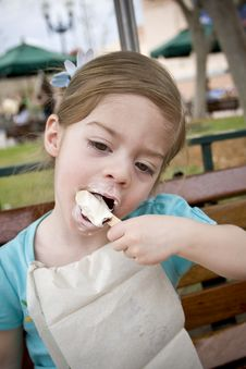 Free Child Licking Ice Cream Stock Images - 8685194