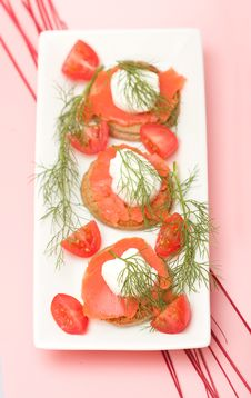 Free Salmon Hor D Oeuvre Stock Photography - 8686452