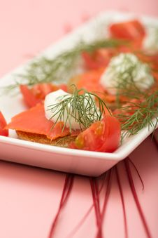 Free Salmon Hor D Oeuvre Stock Photography - 8686482