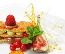 Free Dessert - Sponge Cake Royalty Free Stock Photos - 8686798