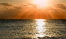 Free Sunset On Sea Royalty Free Stock Image - 8687946
