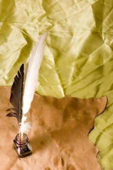 Free Feather Quill And In Well Stock Photos - 8688293
