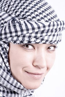 Free Pretty Arabic Woman Royalty Free Stock Images - 8690299