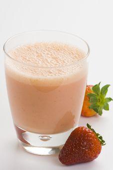 Free Delicious Strawberry Orange Banana Milkshake Stock Photography - 8698642